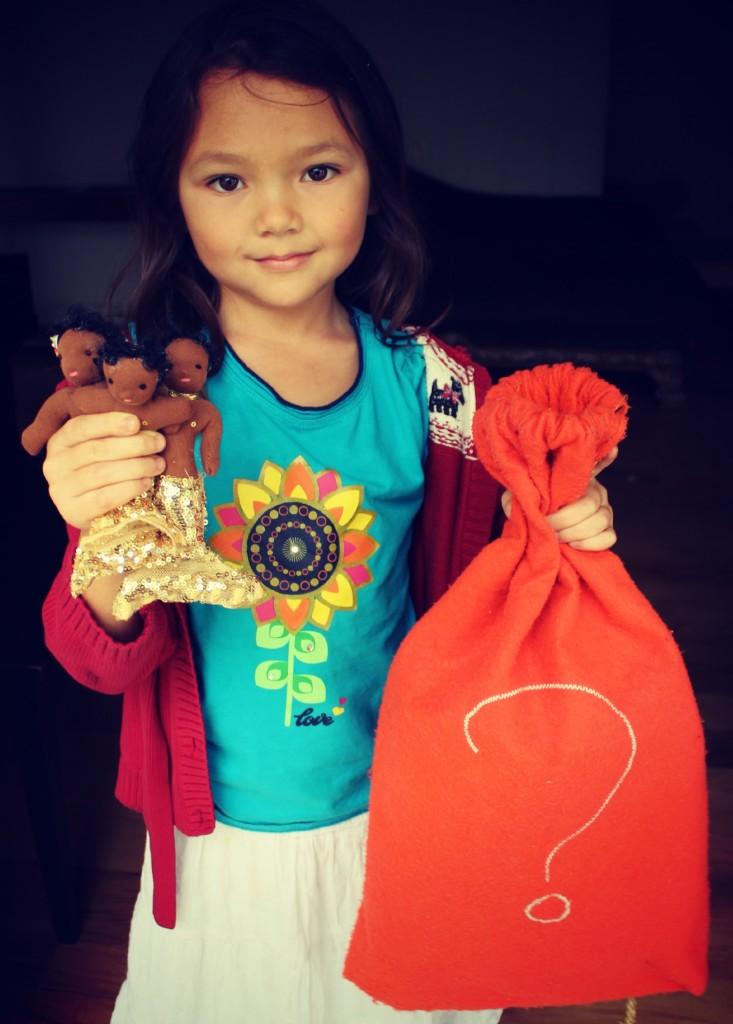 121130 Nunu with Spanish mystery bag and 3 mermaids