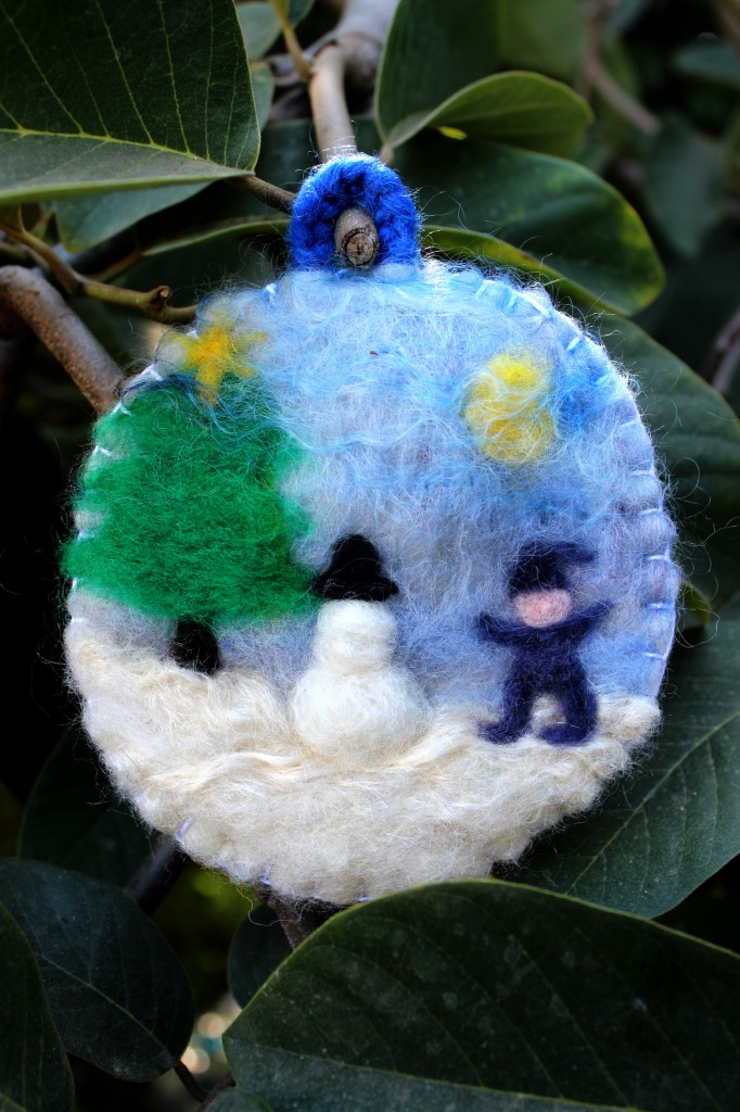 Making Needle-Felted Paintings as Christmas Tree Ornaments ...