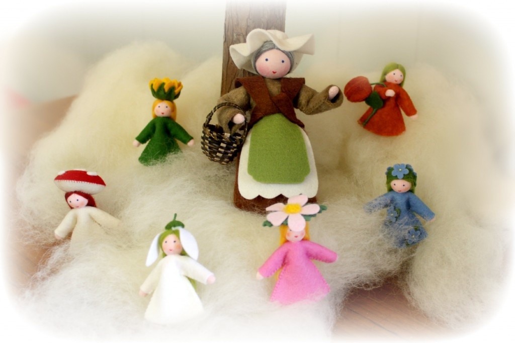 121212 Gisela's Handmade German Waldorf Steiner Seasons Table dolls. Mother Earth and her children