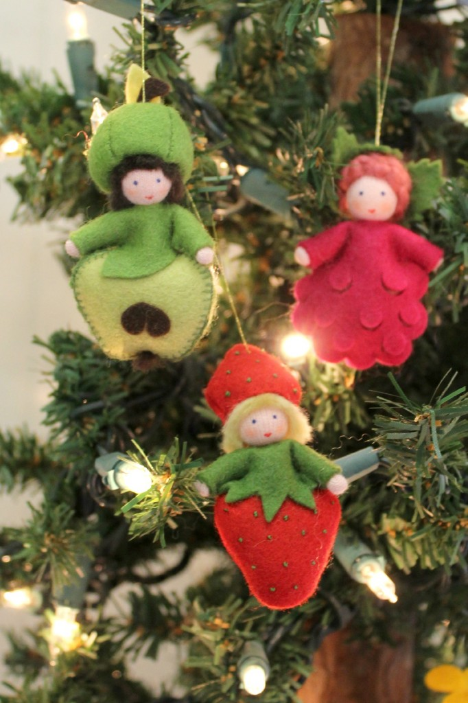 121212 Gisela's handmade German season table nature dolls fruits apple, raspberry and strawberry on Christmas Tree