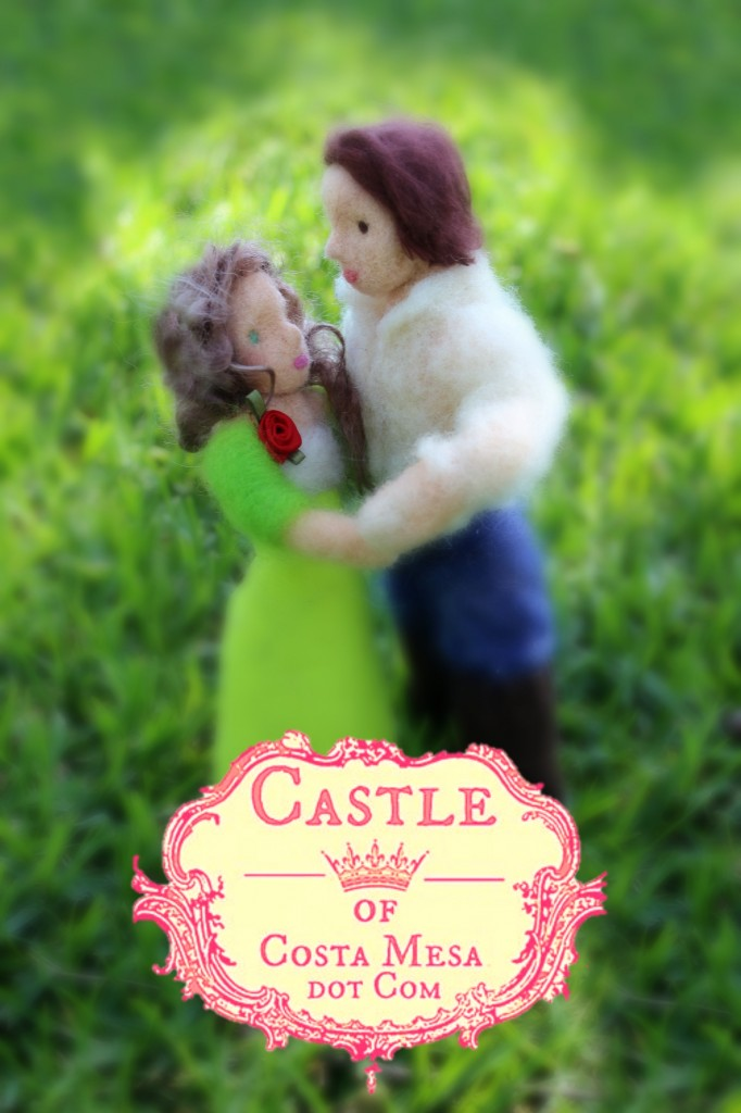 130421 Needle felted husband and wife embracing