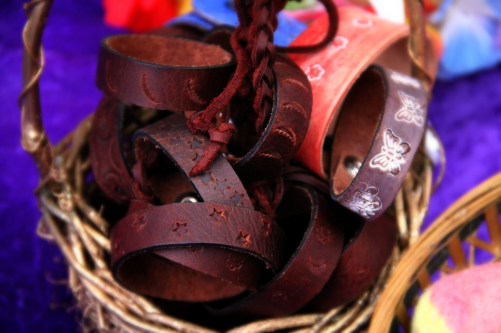 handmade leather braceletes