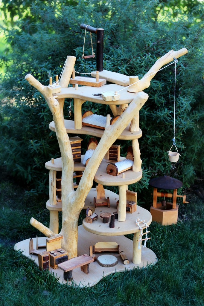 130114 Wooden Fairy Tree House