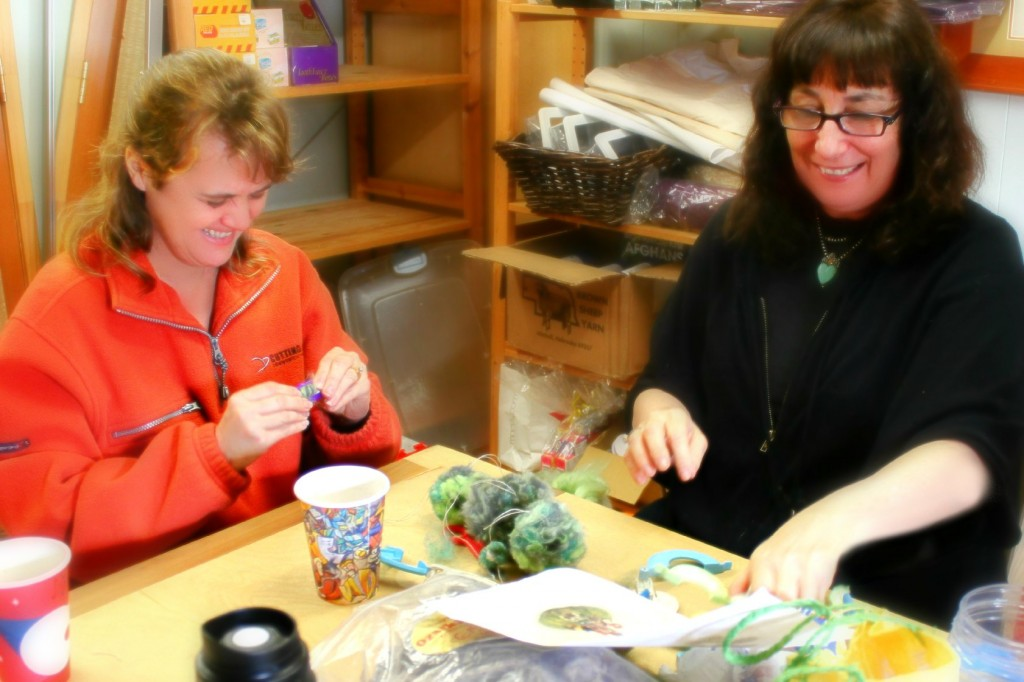 130205 Liz and Julie crafting pompom tree foliage and bushes 4