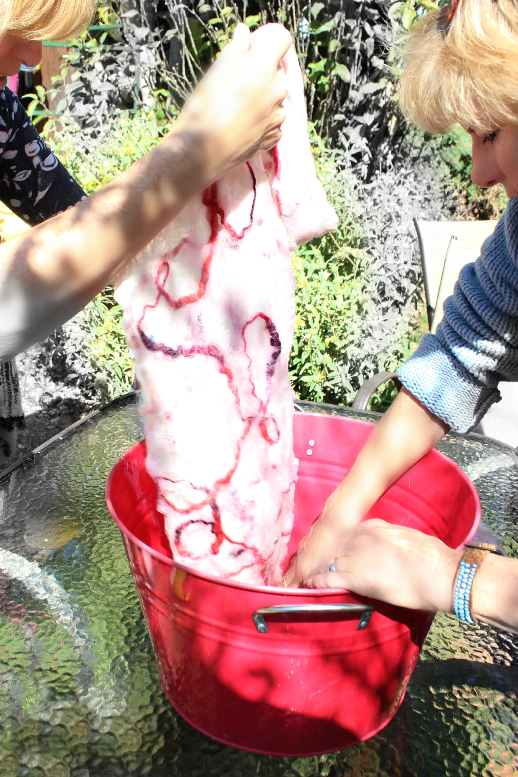 130227 Washing off Artfelt paper with boiling water in a red bucket