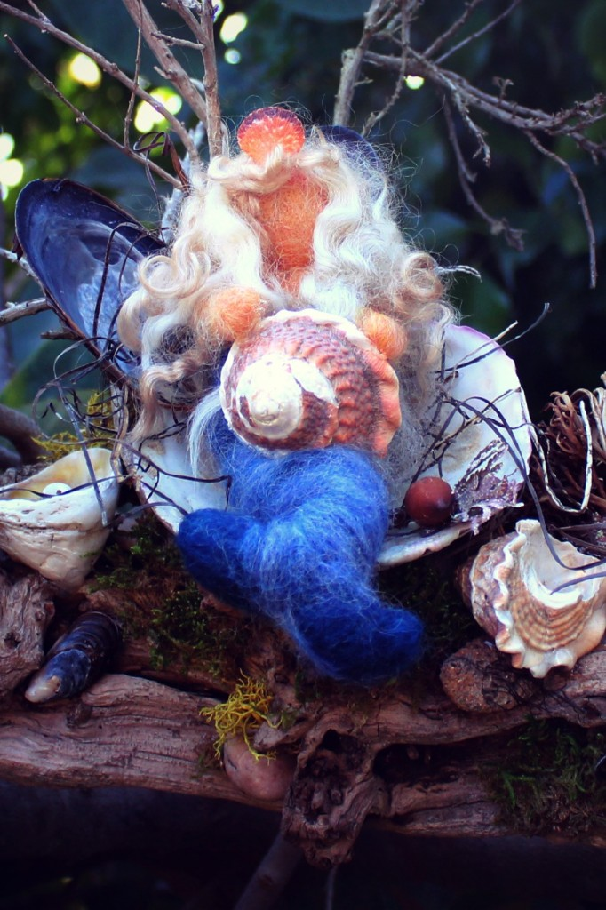130227 Detail view Gisela's Mermaid on Driftwood, Artful Masterpiece