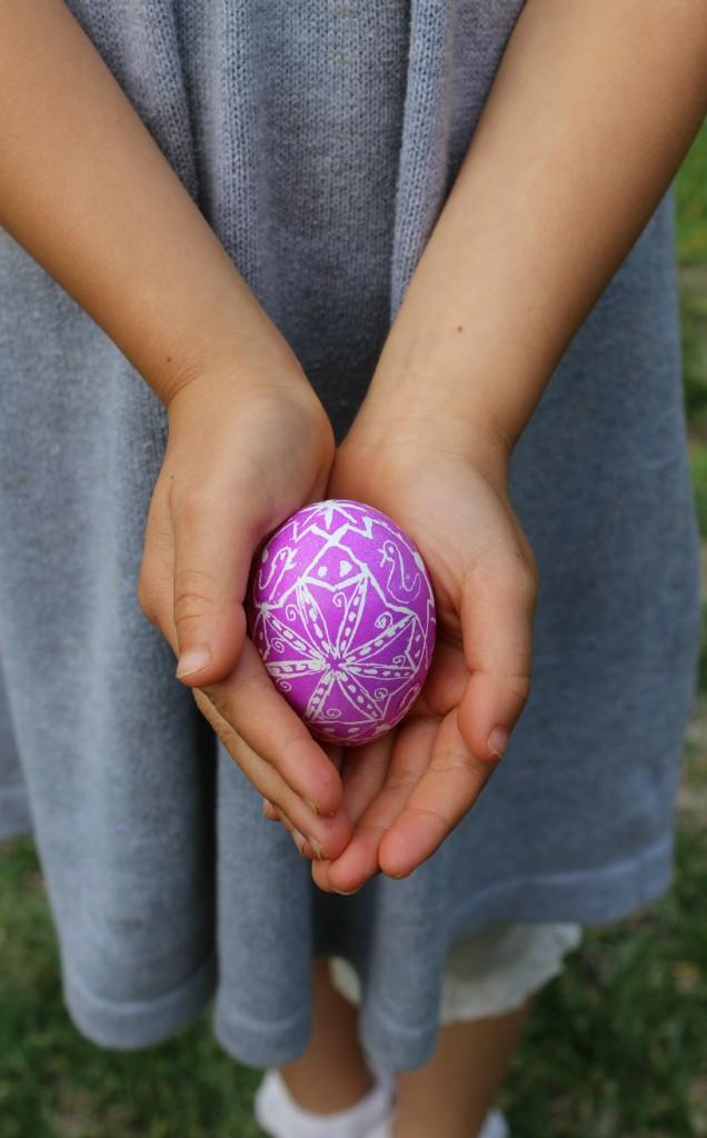 130320 Nunu's hands holding pink Ukrainian Easter egg