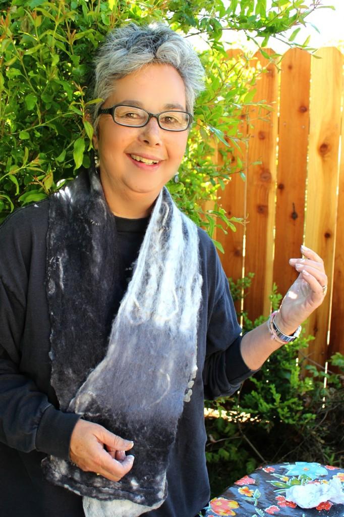 130410 Gaby modeling handmade grey Art Felt scarf