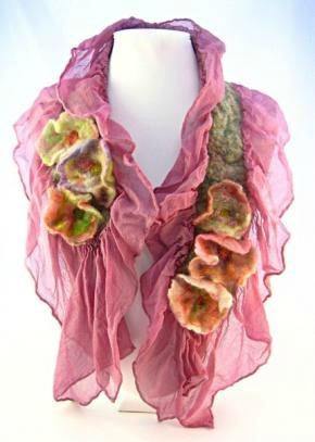 130501 Pink blossoms smashingdarling.com nuno felting floral scarf
