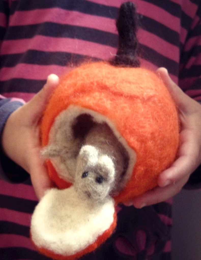 131013 Needle-felted mouse in a pumpkin. Sewn Natural