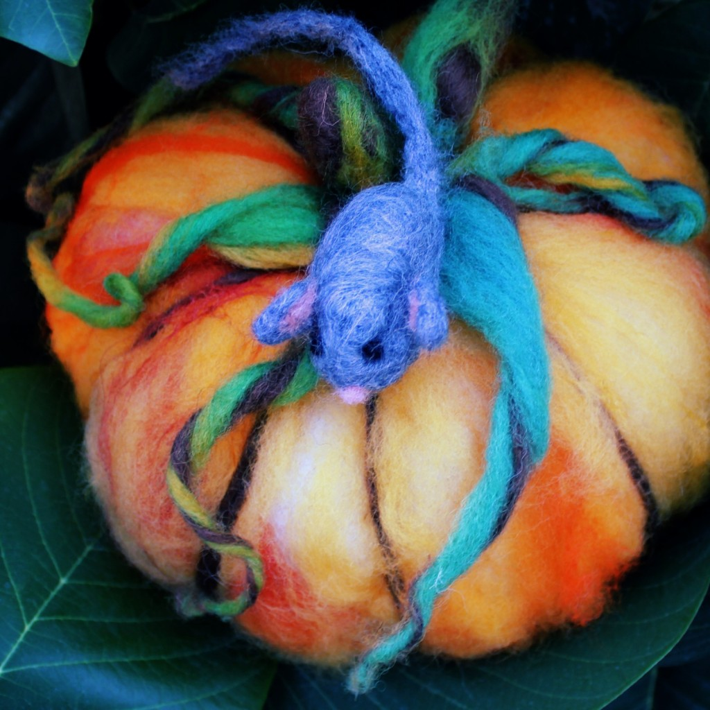 131015 Gisela's needle-felted mouse on pumpkin with twirly tendrils. square cropped.
