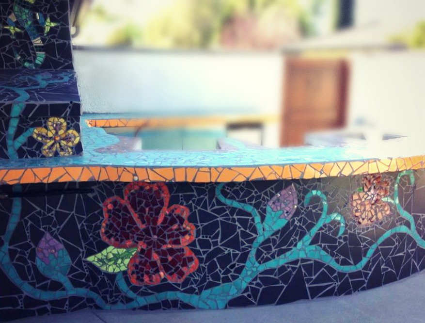 131027 Poolside BBQ counter top. Finished grouting.