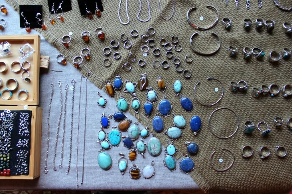 131109 Yuko's Holiday Jewelry Sale. Neighborhood Holiday Craft Fair at Jade Daisy Stacey's home