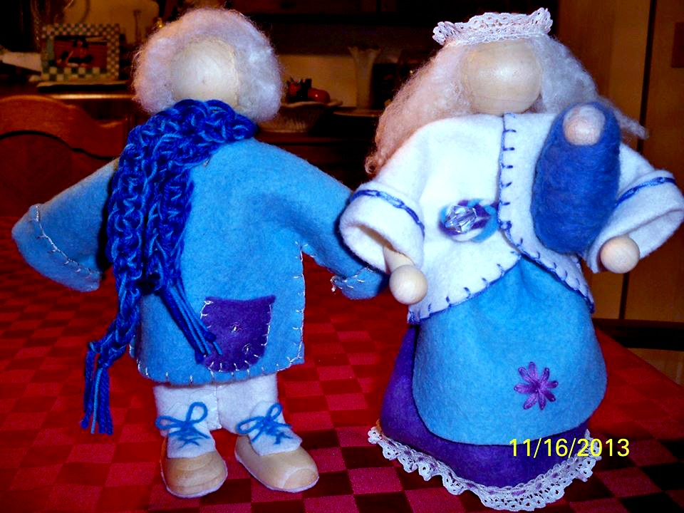 131117 Cathrine Ji's boy, girl and baby standing posing bendable wood and wire handmade bendy winter dolls from Maple Village School craft group