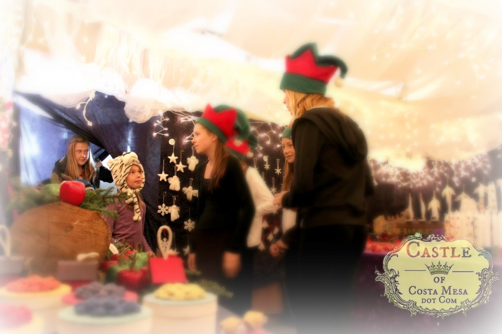 131207 First little shoppers entering Elves Workshop in awe