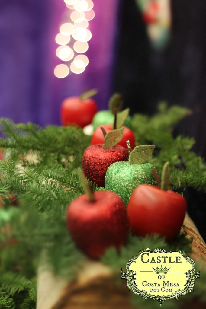 131207 wooden glitter and plain apples with felt leaves bokeh