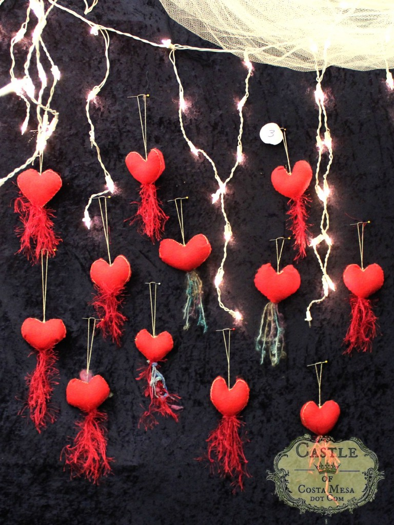 131209 Bleeding hearts red felt hearts