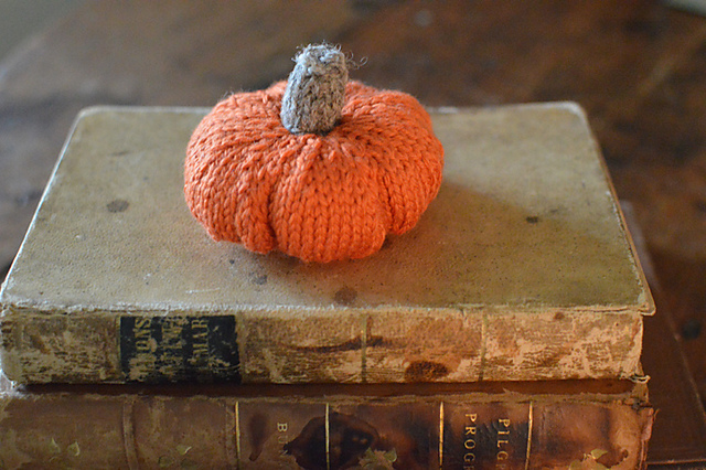 140124  Pumpkins and a Pattern by Bobbi Lewin on ravelry