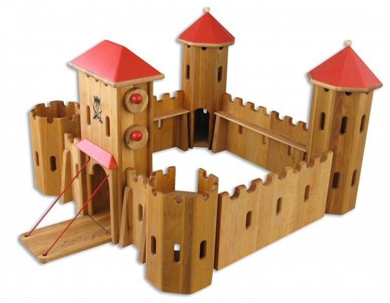 140204 Schlingl German Wooden Castle Manufacture's Photo Front diagonal view