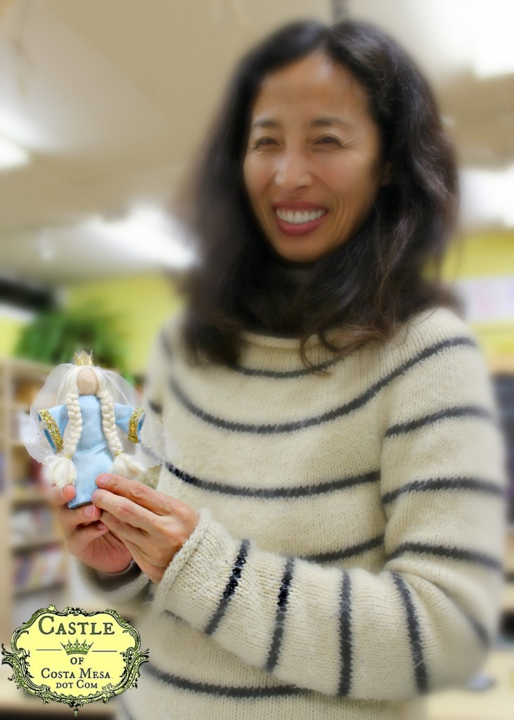 140210 Yuko with needle-felted queen dressed in fabric