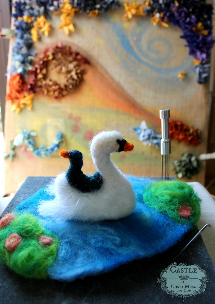 140211 Lisa Marris swan and baby cygnet by hooked rug
