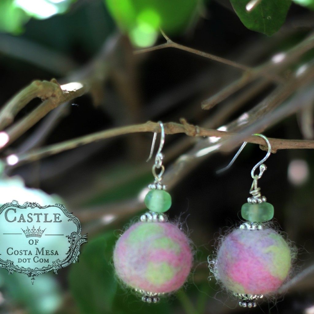 140623 Jeanine's lavendar and seafoam green wet-felted earrings