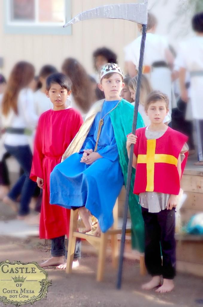 140504 Purim Play Sei Haman, Cameron King Ahaseurus, Sebastian Guard