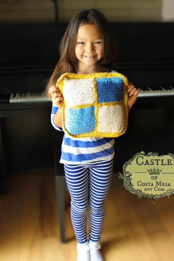 140606 Nunu crochet pillow 3rd Grade