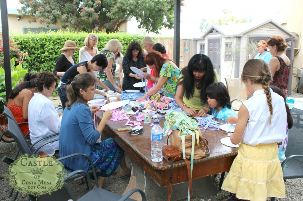 140908 Craft group rapt in creating 2