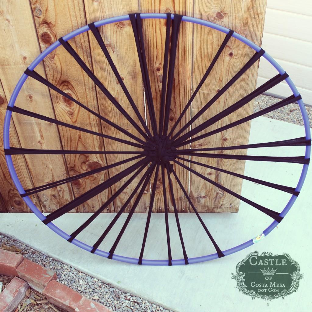 140915 Handmade Hula Hoop loom for making rug 2