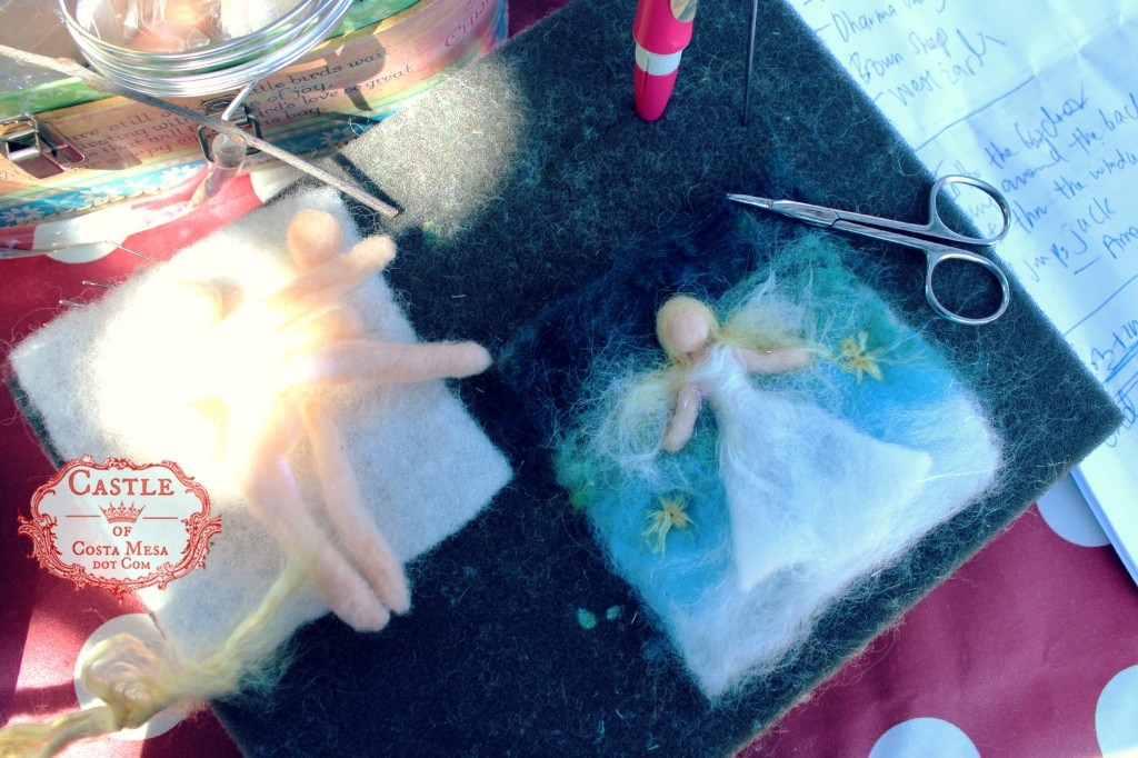 140915 Jzin's needle-felting pad at craft group making wool angel picture 2