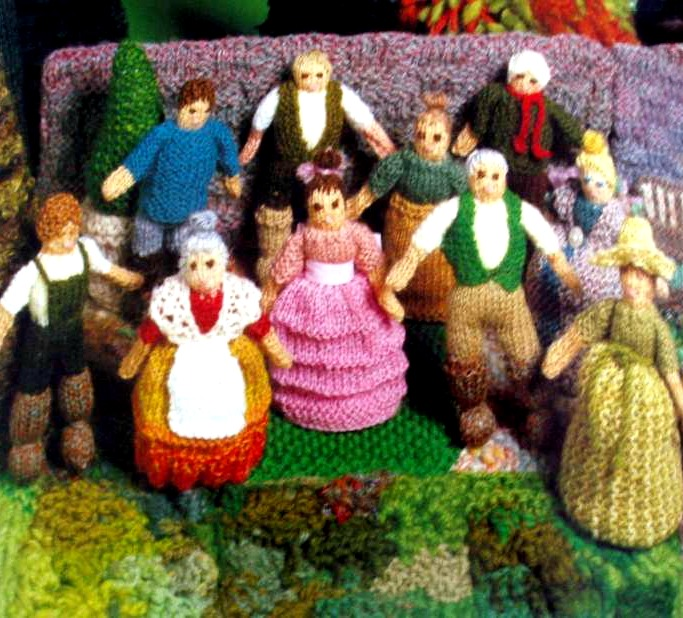 140929 Jan Messent's Knitted Gardens Crowd of gardens and garden people