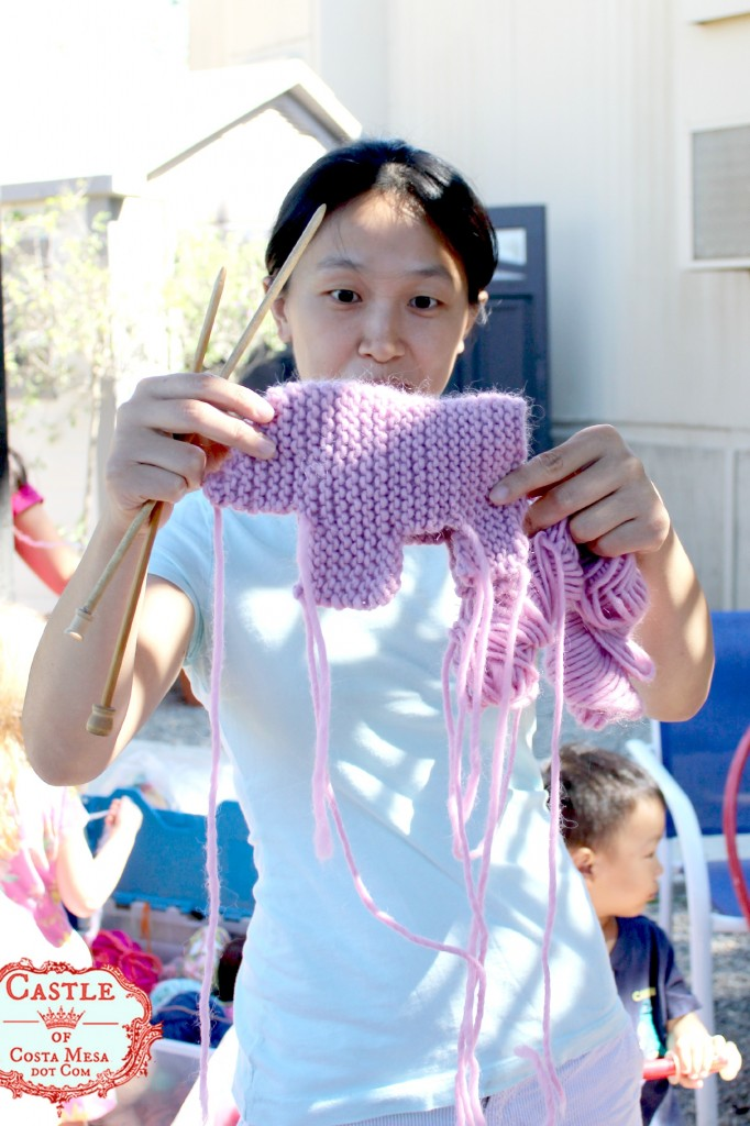 141006 Sophie knitting a pig for her little boy 2