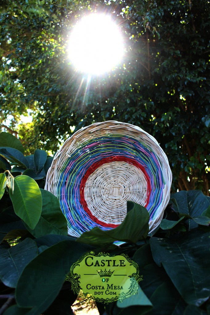 141103 Cathrine Ji's woven circular basket of many colors and the sun 2