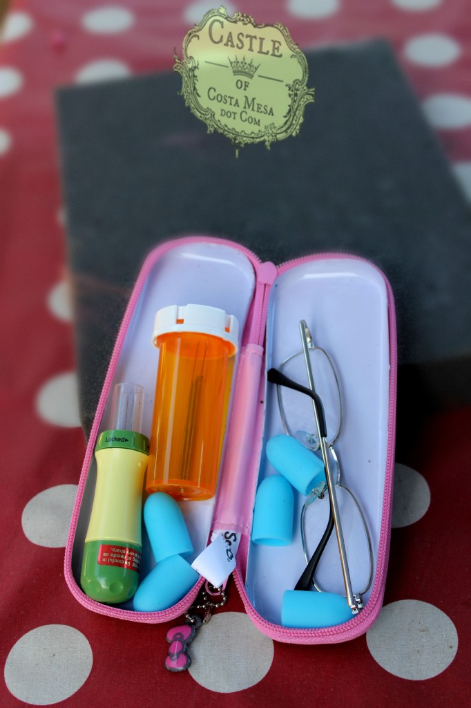 141117 Jenifer's needle-felting hack kit with pill bottle, finger guards and pencil case