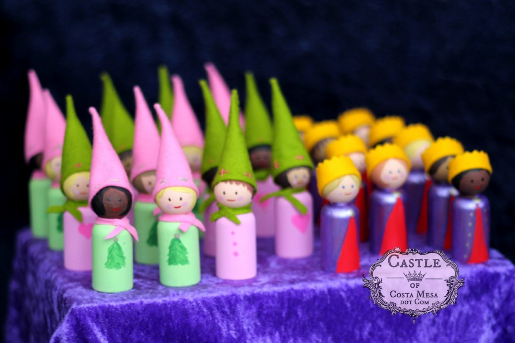 141206 Renuka's painted handmade felt and wooden sweet peg doll prince princesses gnomes cape 2.
