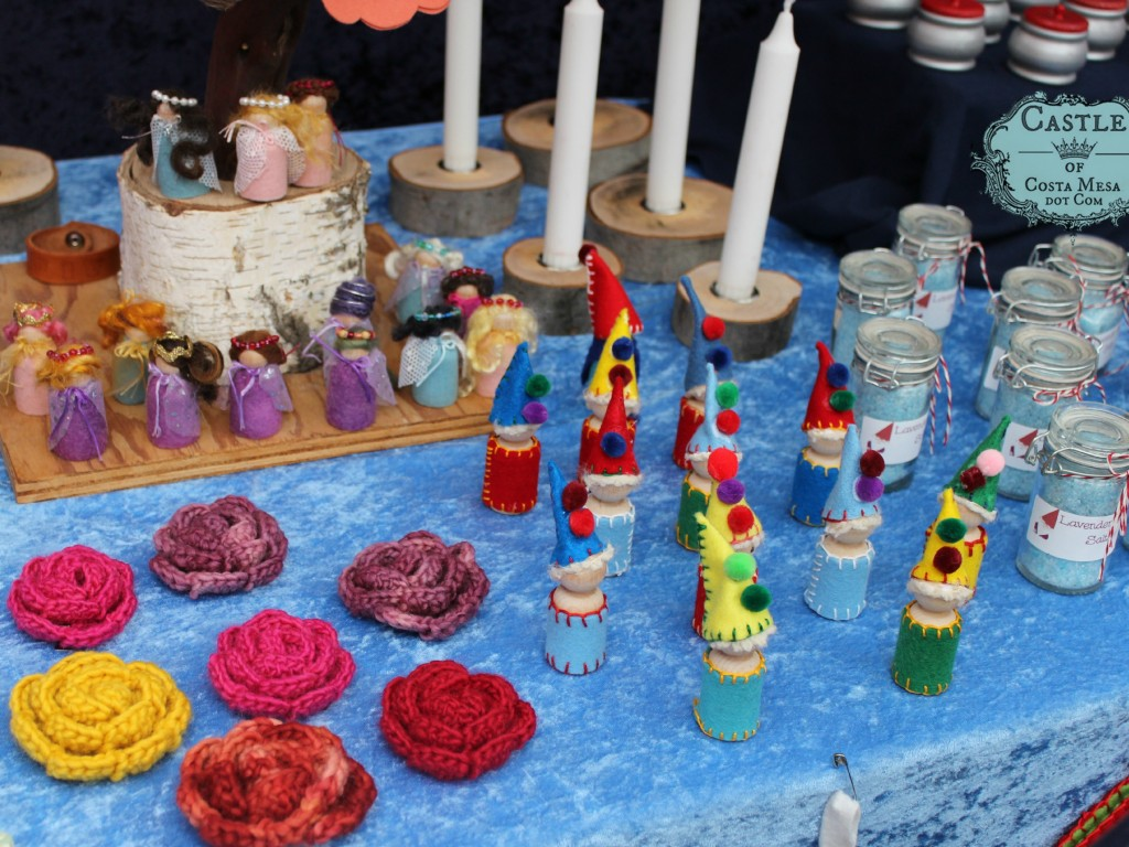 141206 crochet rose flower hair pins peg doll princesses in capes wooden peg doll clowns bath salt and galore.