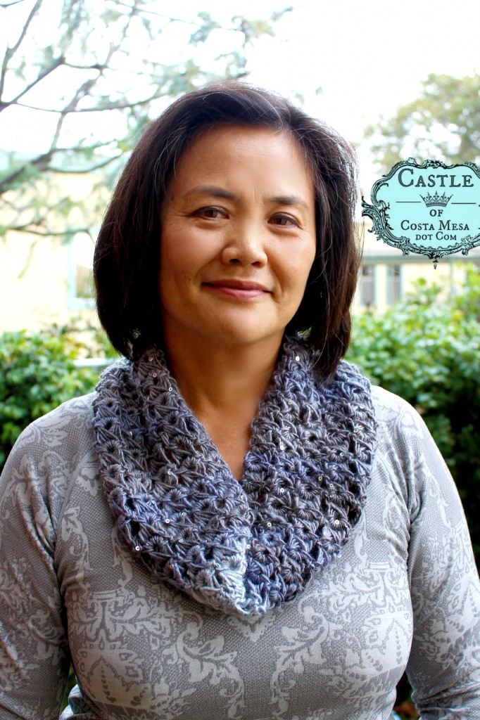 150112 Lucy grey sparkly broomstick lace cowl.