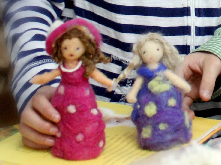 150223 two dolls needle-felted this morning 9062 3x4