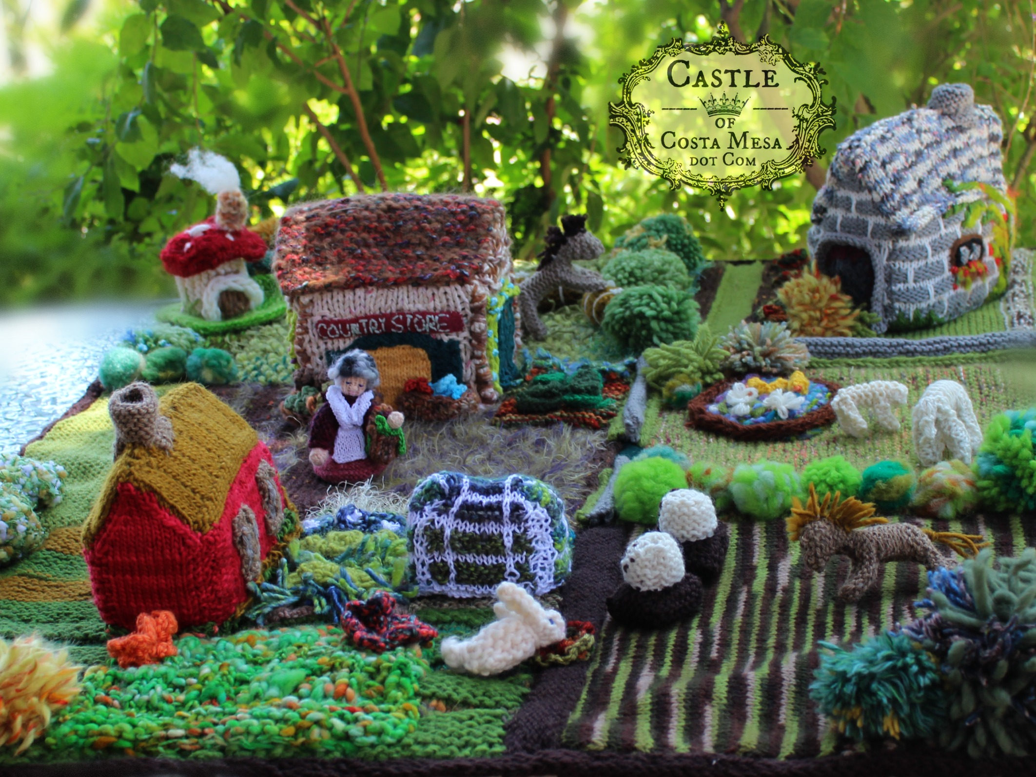 1529 150527 country store toadstool cottage bunny sheep