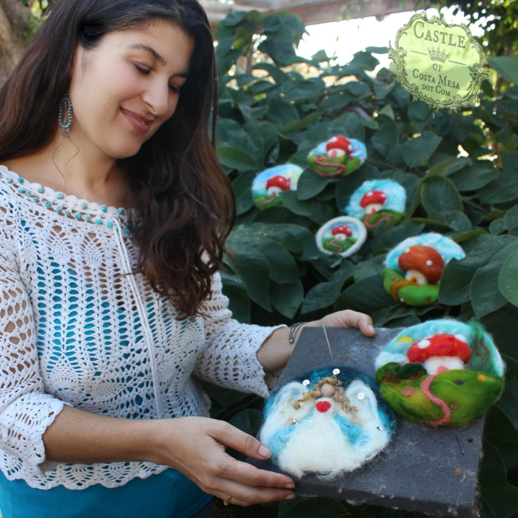 3316 151927 Roxana with her wool relief angel and toadstool cottage pictures no logo