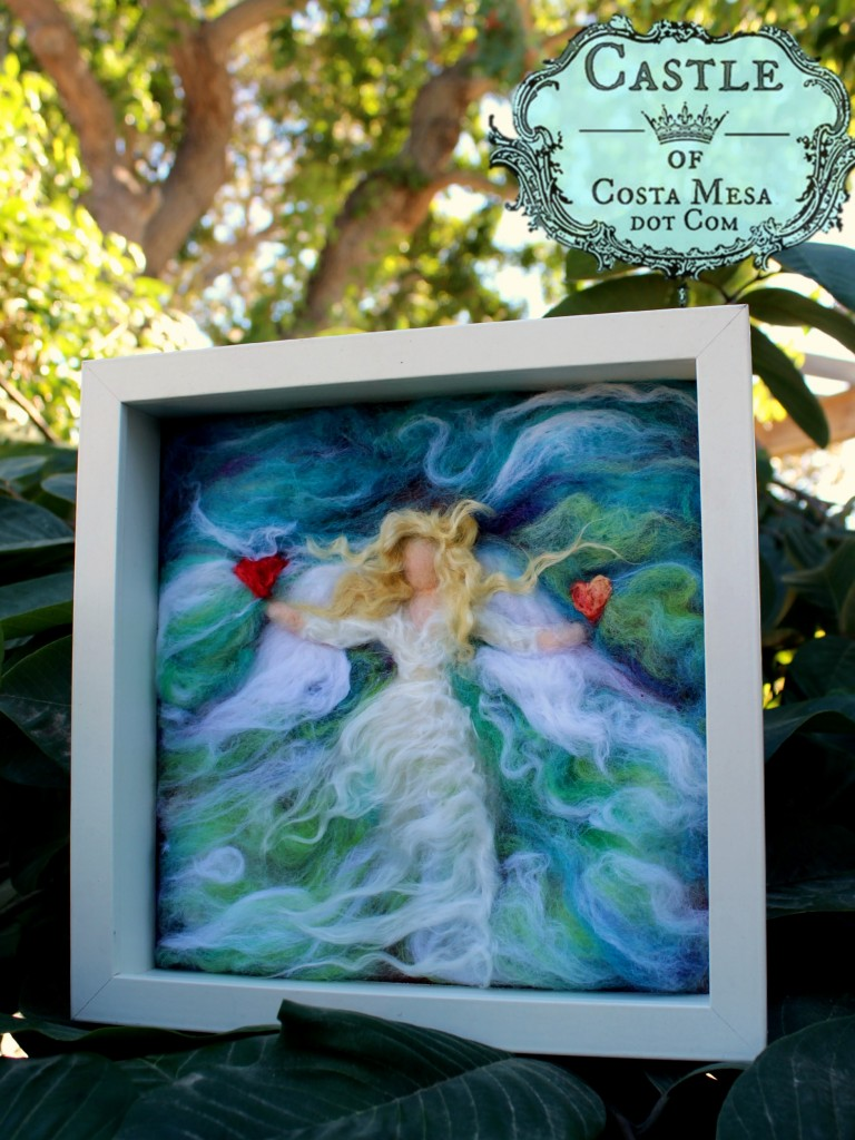 4123 151117 Blonde Guardian Angel in white square frame messy style