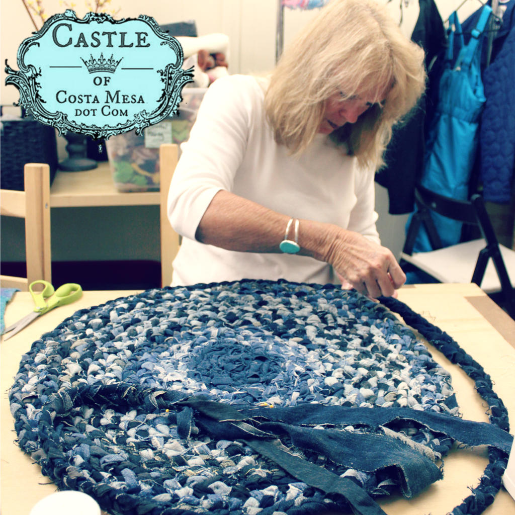 5747 160516 Nancy making denim rug for Gala